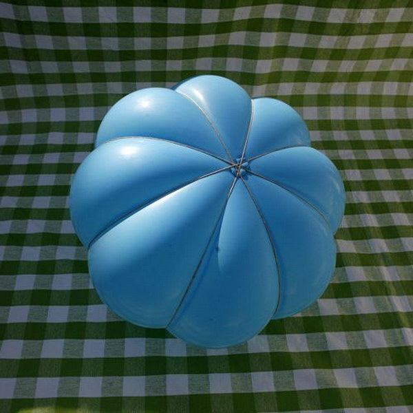 Make a Paper Mache Pumpkin for Fall with Balloon.