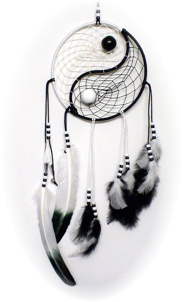 DIY Yin Yang Dream Catcher.