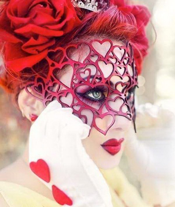 & 25+ Queen of Hearts Costume Ideas and DIY Tutorials - Hative