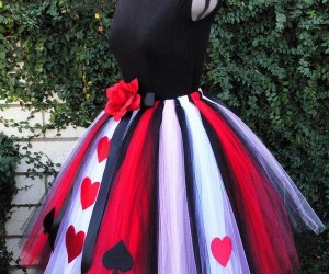 25+ Queen of Hearts Costume Ideas and DIY Tutorials , Hative