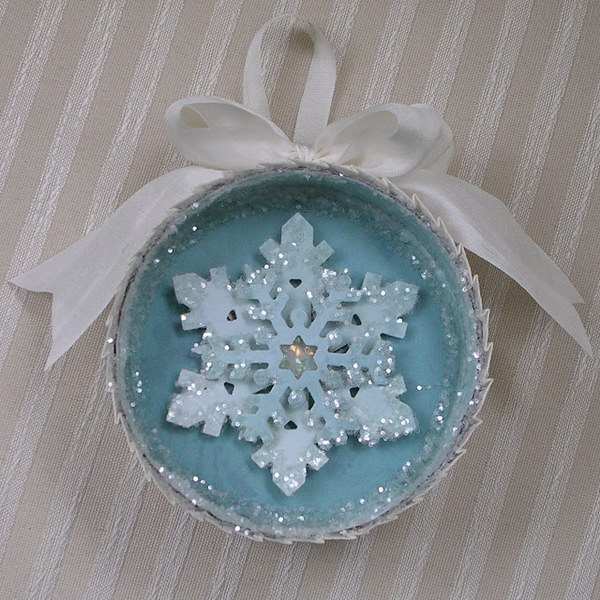 Frozen Glitter Snowflakes Ornament Made out of a Tin Can