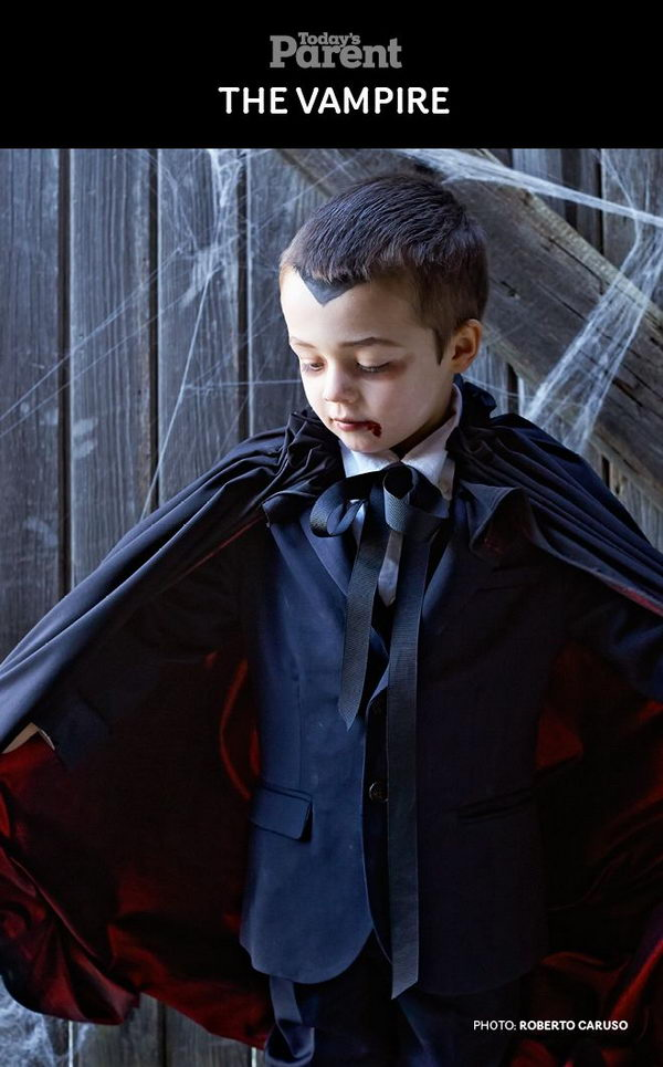 Vampire Halloween Costume for Boys .