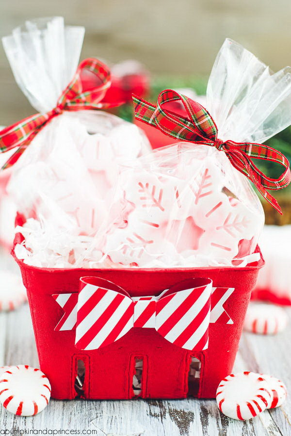 35 creative diy gift basket ideas for this holiday hative diy peppermint soap gift idea solutioingenieria Image collections