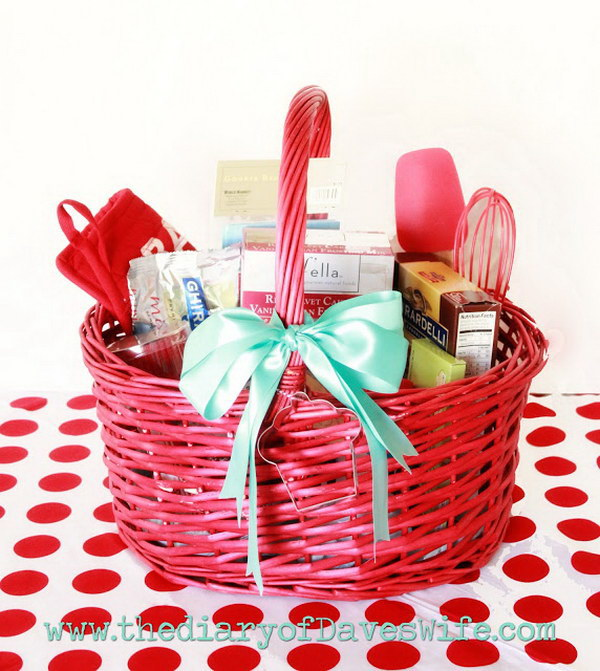 Make Your Own Wedding Gift Basket Ideas : 35+ Creative DIY Gift Basket Ideas for This Holiday - Hative
