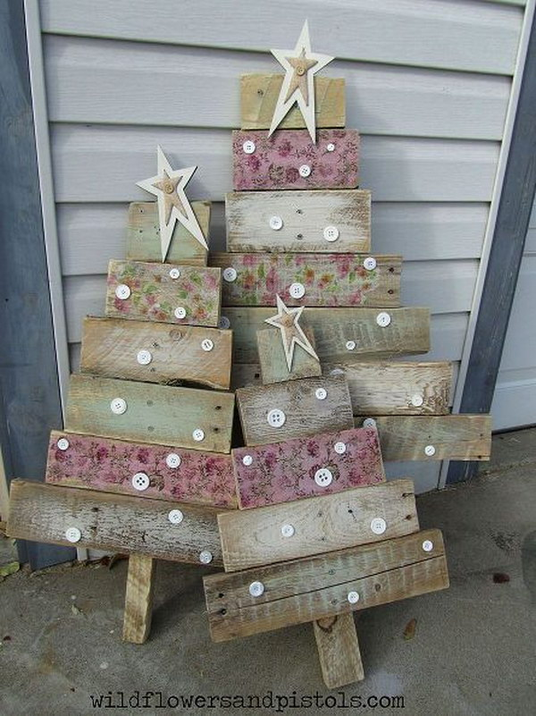 pallet wood christmas trees - Christmas Decoration Ideas To Make