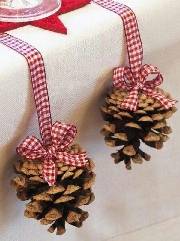 30 Festive Diy Pine Cone Decorating Ideas Hative