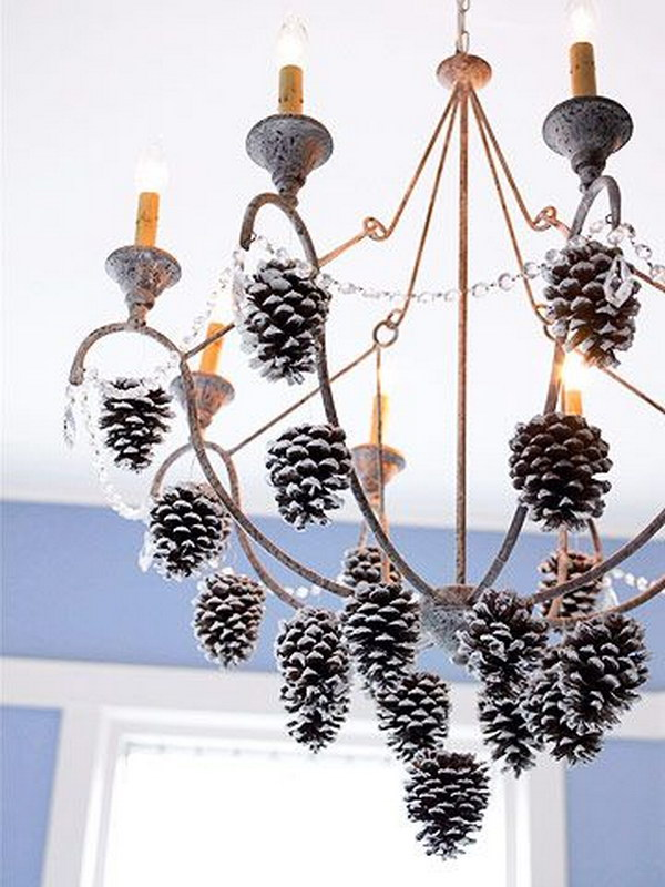 30 festive diy pine cone decorating ideas hative - Crafty winter decorations with pine cones ...