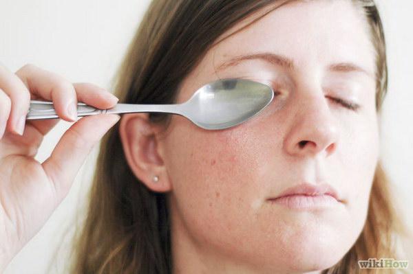 Natural Ways To Lighten Dark Circles Under Your Eyes