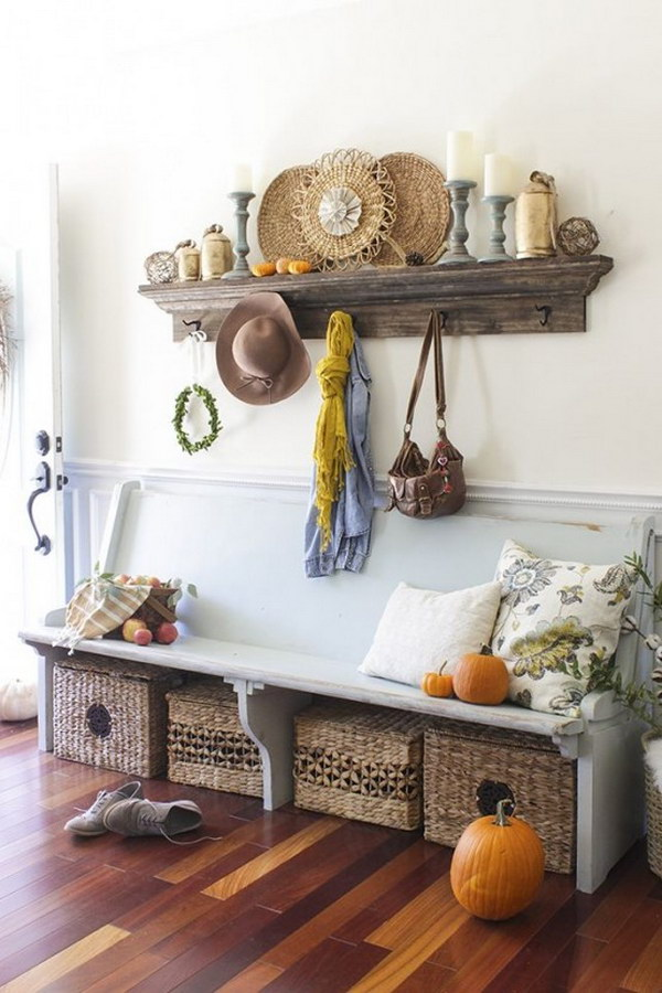 Sophisticated Farmhouse Style Decor .