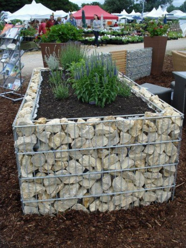 30+ Raised Garden Bed Ideas - Hative