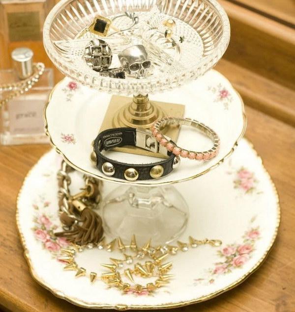 DIY Shabby Chic Jewellery Stand