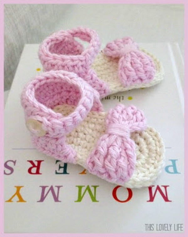 Simple Crochet Patterns For Baby Booties : Cool Crochet Patterns & Ideas For Babies - Hative