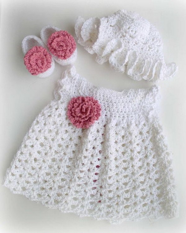 Baby Dresses And Gowns Patterns preceded by an asterisk (*) are in PDF format. Patterns preceded by an plus sign (+) require free registration (to that particular pattern site, not to Crochet Pattern Central.