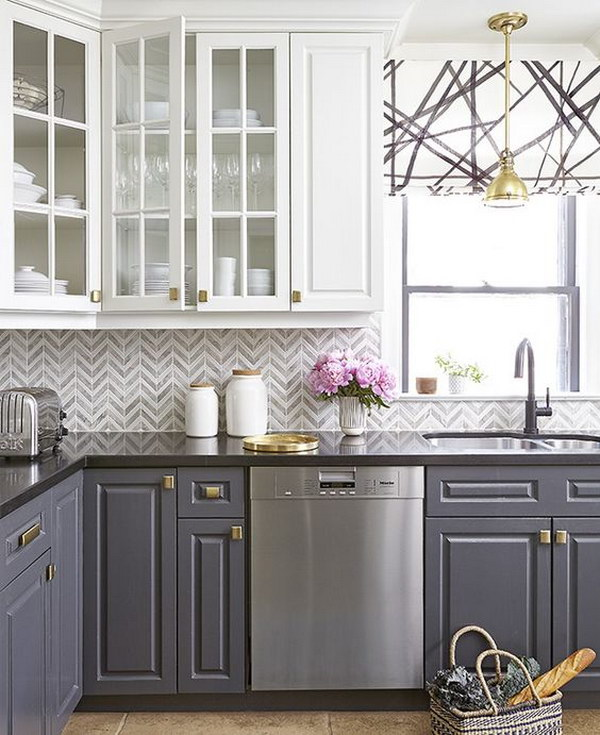 Merveilleux Grey And White Chevron Tile Backsplash In A Stylish Kitchen With  Contrasting Cabinets