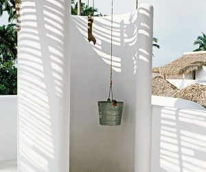 Great Outdoor Shower Ideas for Refreshing Summer Time