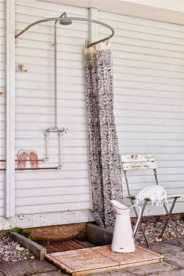 Simple Outdoor Shower Ideas Part - 39: Simple Outdoor Shower With Curved Shower Curtain Rod