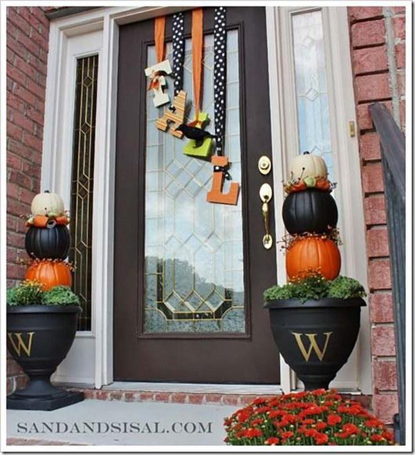 Fall Doorways: 20 Awesome DIY Fall Door Decorations