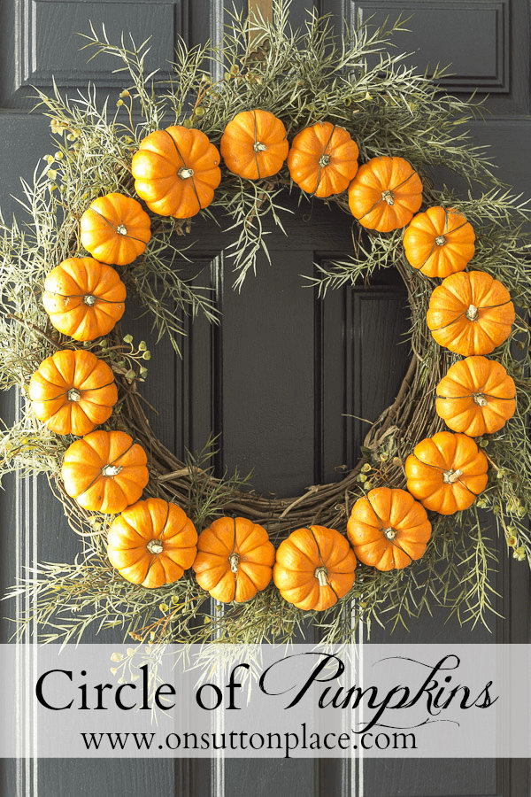 circle pumpkin wreath - Fall Door Decorations