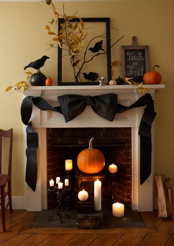 Halloween Mantle Decoration Mantle.