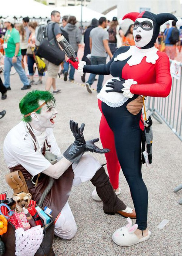 Funny Pregnant Harley Quinn Costume.