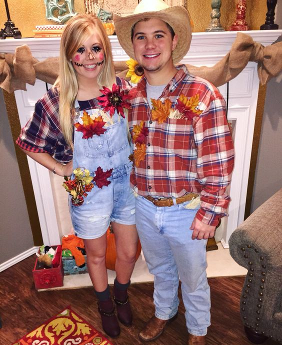 Scarecrow Couple Halloween Costume.