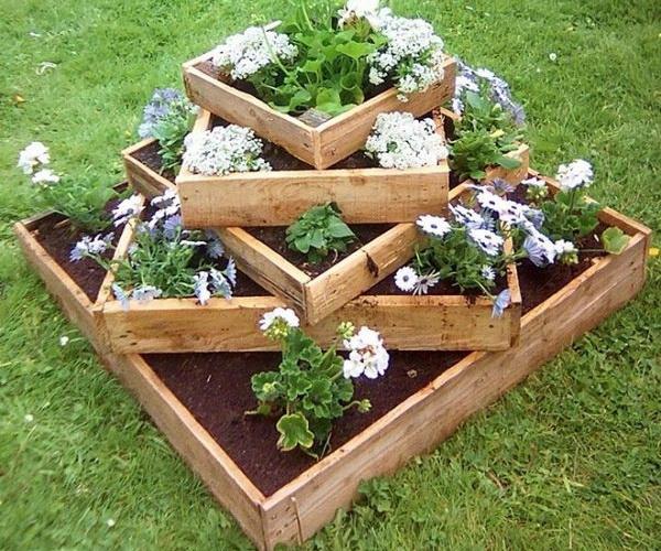 Planter From Pallet: 15 DIY Garden Planter Ideas Using Wood Pallets