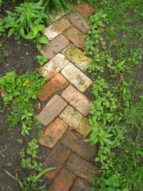 Herringbone Rutsic Reclaimed Brick Pathway.