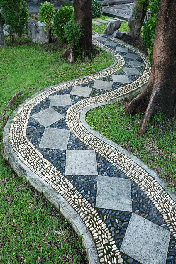 Artful  Mosaic  Garden Pathway .