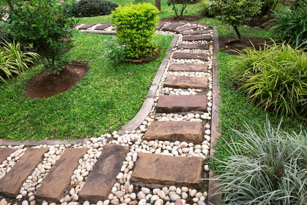 Stone Brick Pathway in White Stones.