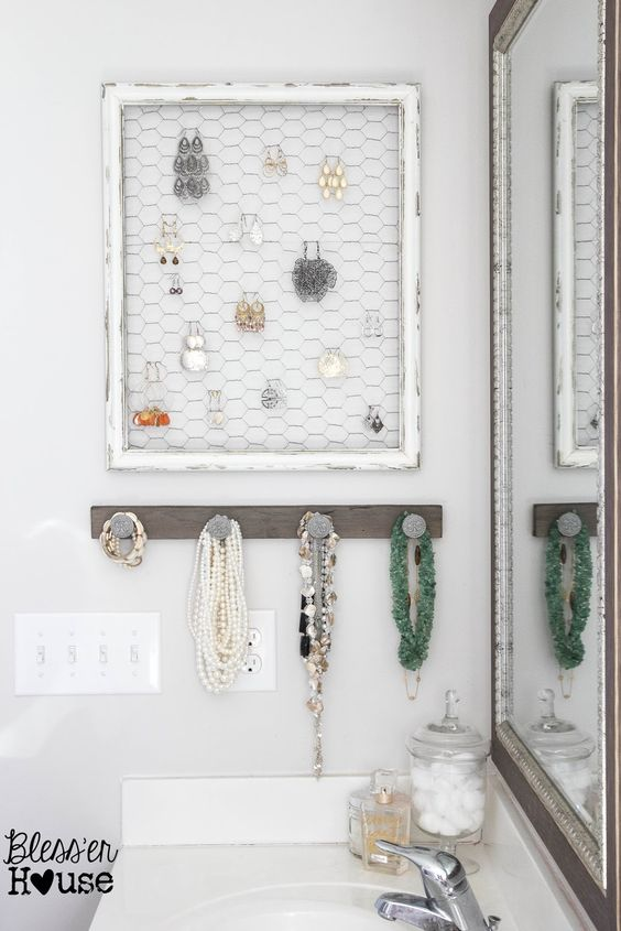 DIY Picture Frame Jewelry Holder.