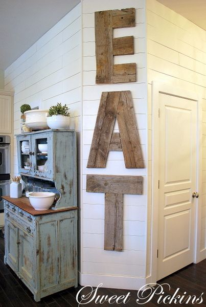 DIY Wooden Eat Sign.