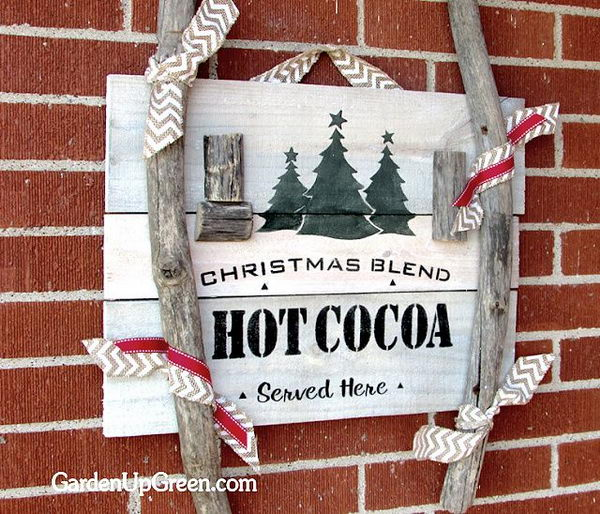 Reclaimed Wood Christmas Sign.