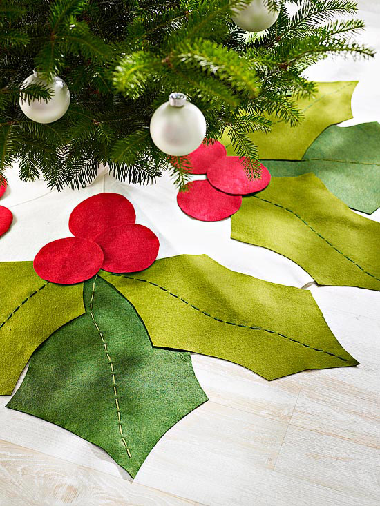 Felt Holly Tree Skirt.