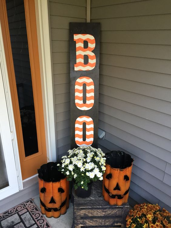DIY Halloween BOO Sign.
