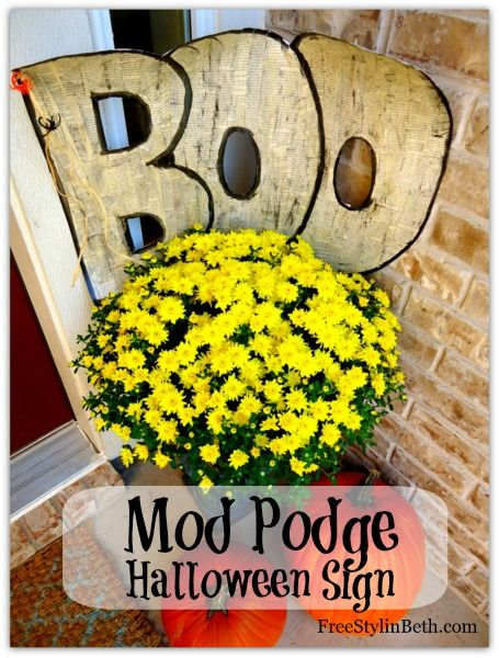 Mod Podge Halloween Boo Sign.
