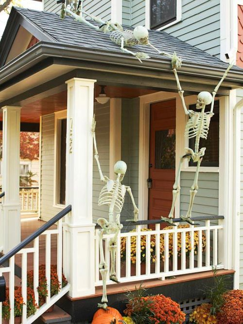 Skeletons Halloween Front Door Decor.