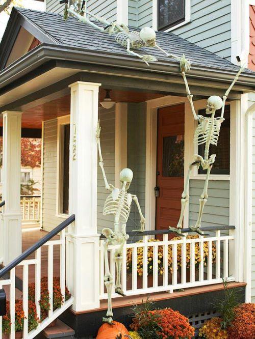 Skeletons Halloween Front Door Decor.