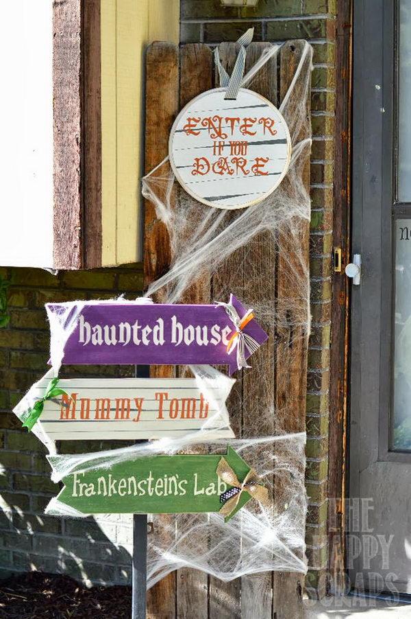 Halloween Front Porch Arrows.