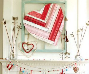 30+ Beautiful Valentine's Day Mantel Decoration Ideas