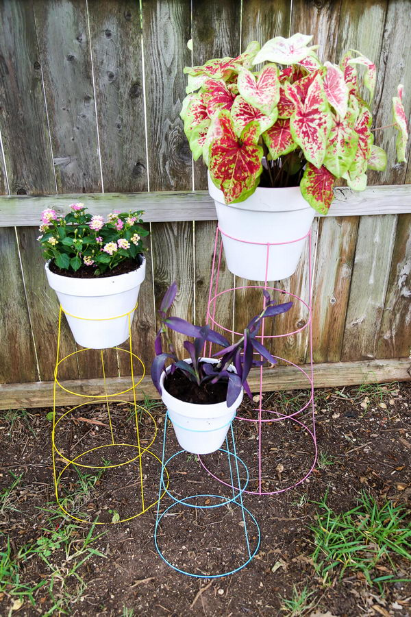 DIY Tomato Cage Plant Stands.