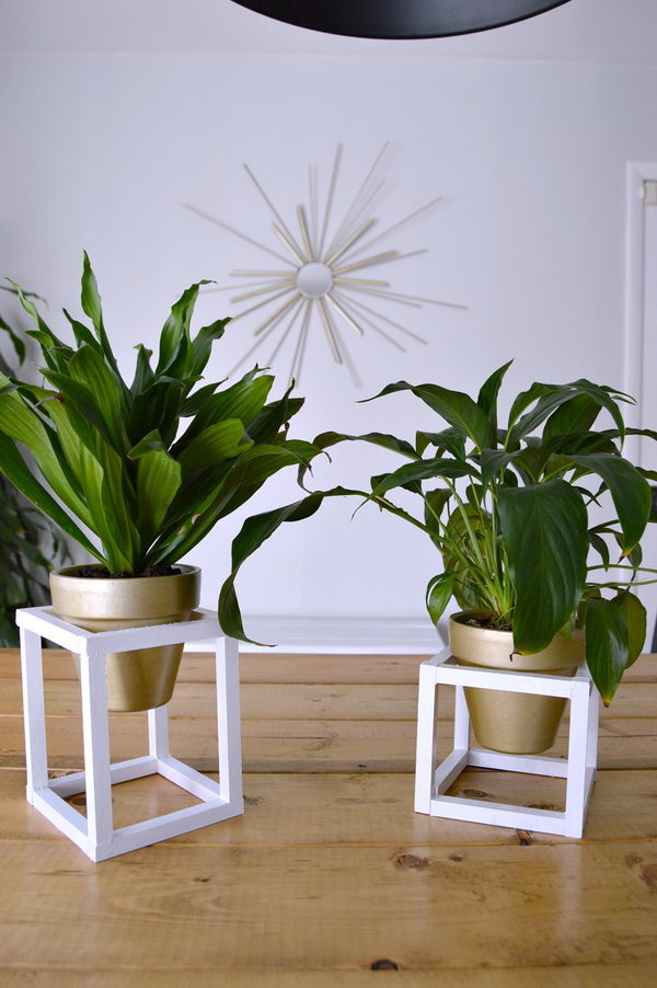 25 diy plant stands with thrift store finds hative for Herb stand ideas