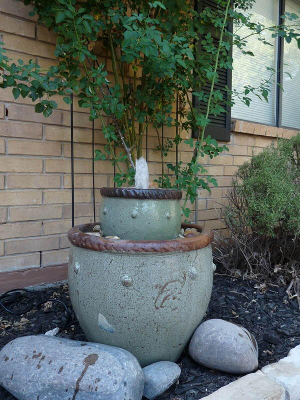 DIY Planting Pots Fountain.