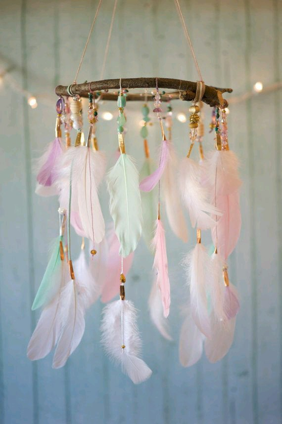 DIY Dreamcatcher Mobile.