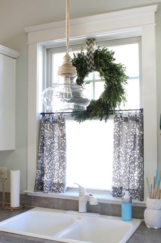 DIY No Sew Cafe Curtains.